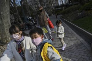Read more about the article Covid-19 : la fièvre n'est pas constante chez les enfants
